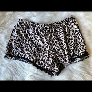 Pants - Adorable Cheetah Lounge Shorts
